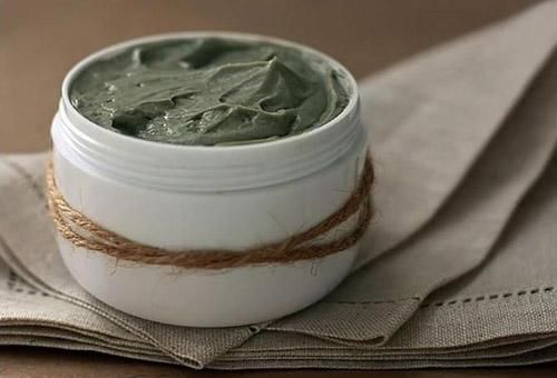 Популярные рецепты для ухода за волосами с голубой глиной