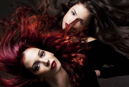 Модели с окрашенными волосами