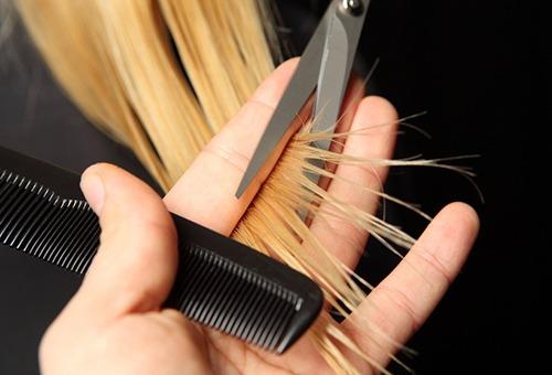 Стрижка кончиков волос как часть программы восстановления