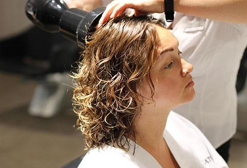 Процесс биозавивки волос