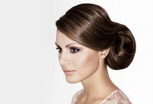 Волосы после биоламинирования, уложенные в прическу