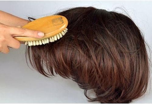 Расчесывание парика