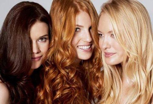 Девушки с окрашенными волосами