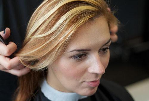 Колорирование волос в светлых тонах