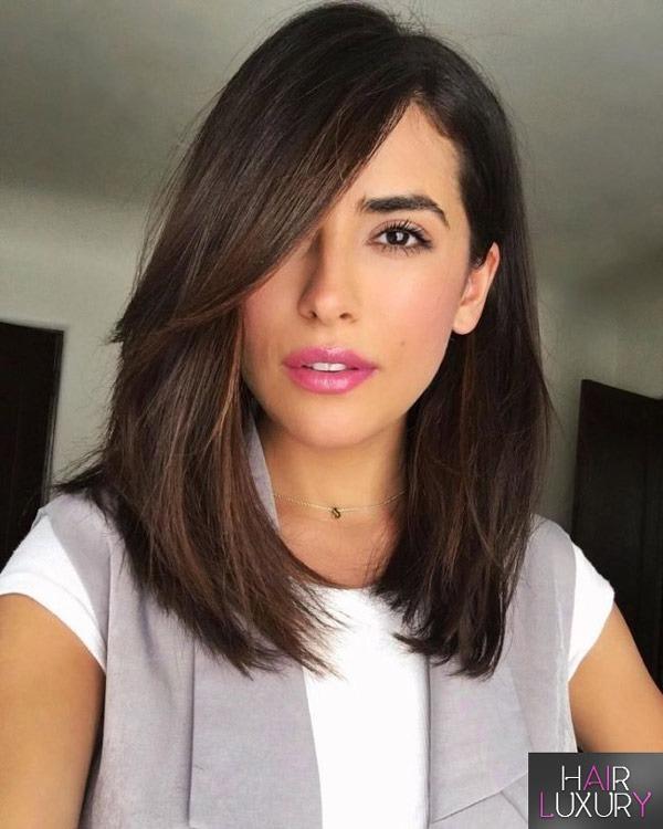 Косая челка: фото, на средние волосы